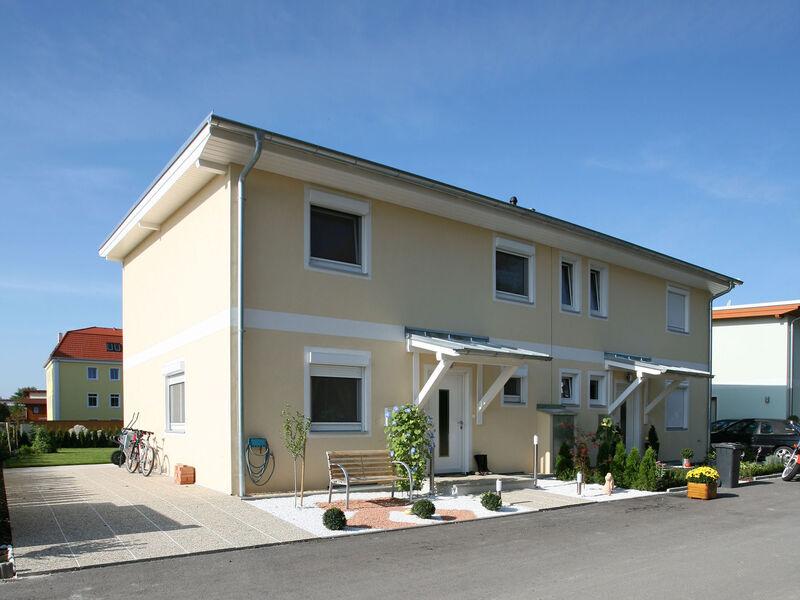 Prefabricated house Doppelhaus-Anlage Sonnendorf