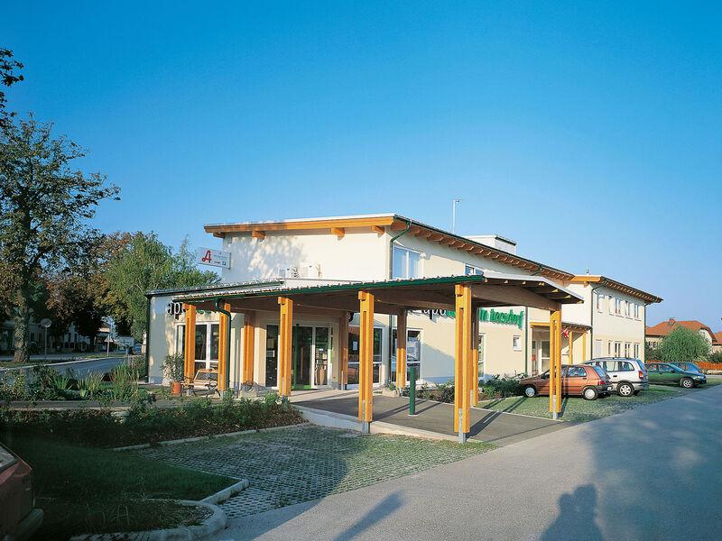 Prefabricated house Dienstleistungs-Zentrum