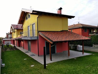 Casa prefabbricata in legno famiglia Bighè e Arnoldi